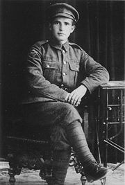 http://image.absoluteastronomy.com/images/encyclopediaimages/1/19/1918_private_bengurion_volunteer_in_jewish_legion.jpg